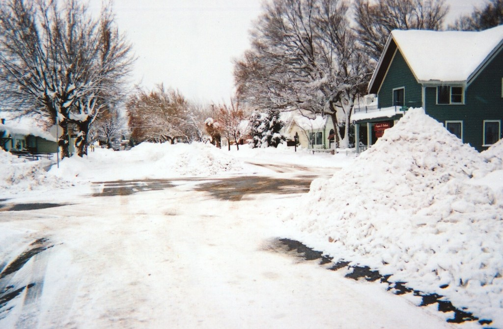 Intersection of Cottage and Lassen Streets, Susanville, January 2005.
