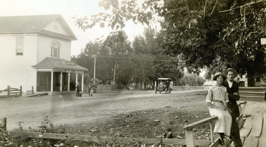 Main Street, Janesville, 1911. Courtesy of Betty Barry Deal